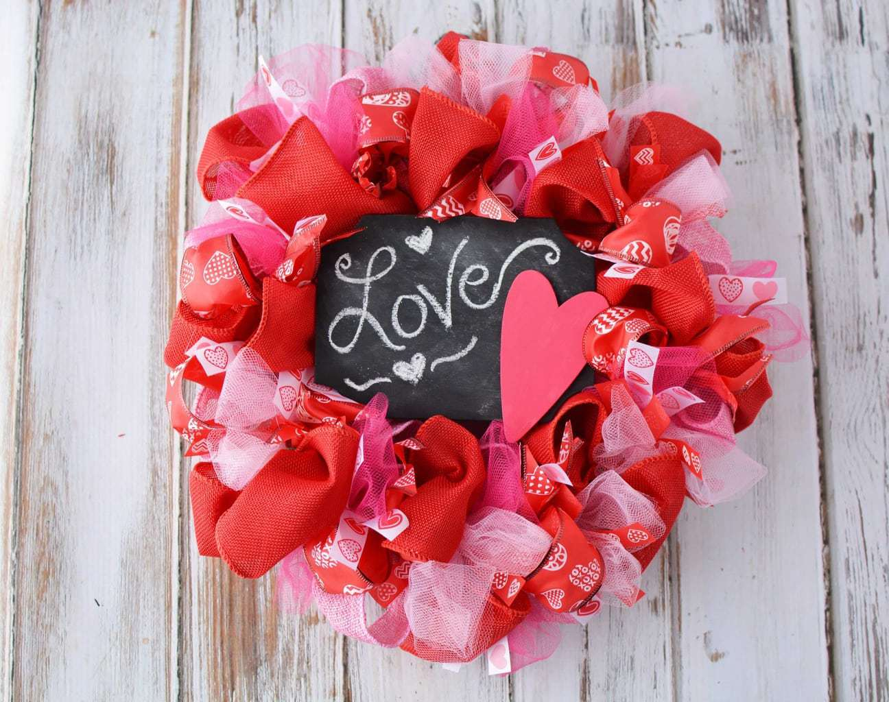 Valentine door Decorations, Valentines Day Wreath, Heart Mesh Wreath