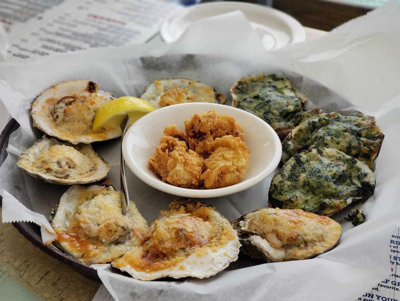 dining in Anna Maria Island, Anna Maria oyster bar