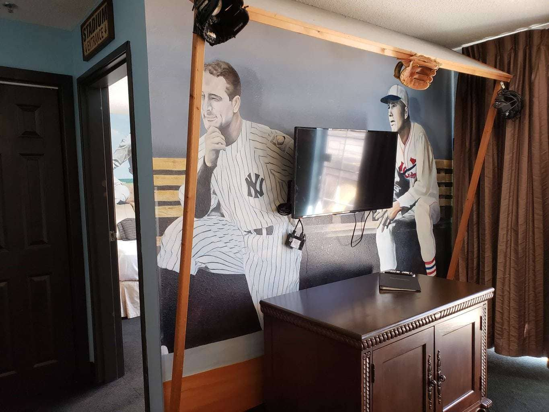 baseball themed hotel room