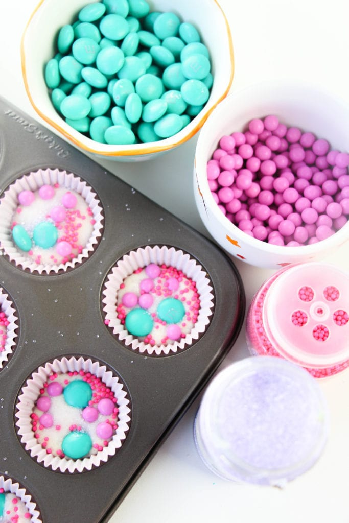 Looking for an easy dessert idea that's perfect for Unicorn themed parties? Look no further than these Unicorn Party Treats!