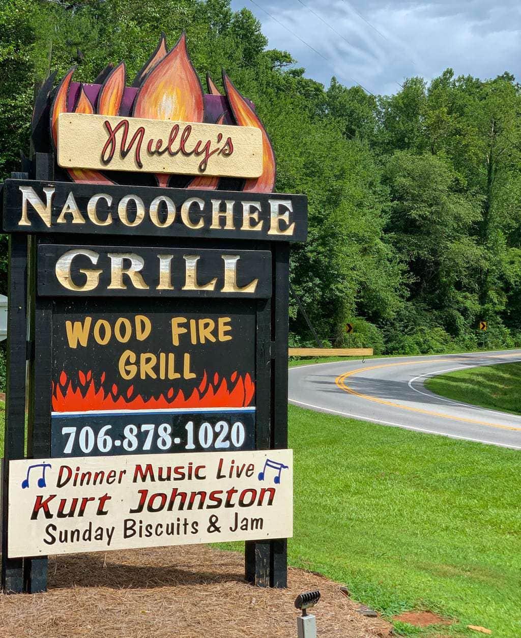 Mully's Nacoochee Grill