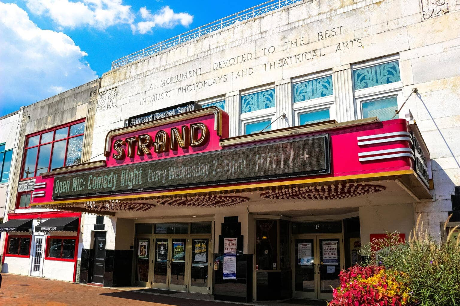 The Earl and Rachel Smith Strand Theatre, Things To Do in Marietta