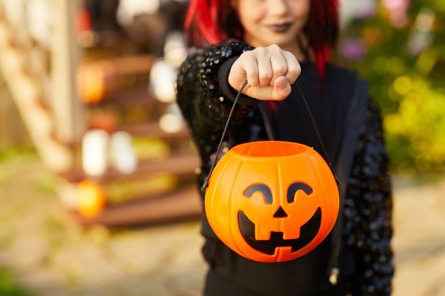 teen halloween safety tips