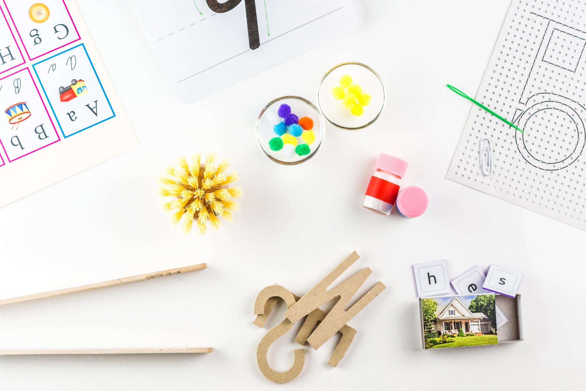 Educational tools used in Montessori