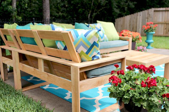 22 Simple Diy Outdoor Furniture Ideas, Yum Tree Patio Furniture